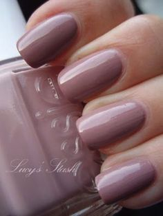 Hello lovelies 🙂 It's still a fall and I'm still loving Essie Lady Like polish. I'd really like a dress in this colour just so I could wear it with this nail polish 😀 Lady Like – pastel mauve creme shade. Tho formula was really nicely pigmented and… Essie Nail Polish, Nail Polish Colors, Manicure And Pedicure, Essie Colors, Manicure Colors, Shellac Nails, Nail Polishes, Acrylic Nails, How To Do Nails