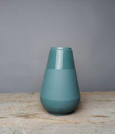 Vase my fair lady turquoise - Fenna Oosterhoff - BijzonderMOOI* Dutch design online