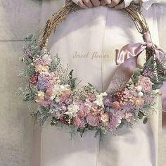 新作♡2点set ピンク×グリーン リースブーケ*ブートニア Wedding Wreaths, Wedding Bouquets, Wedding Flowers, Girls With Flowers, Diy Flowers, Pink Twitter, Valentine Wreath, Wedding In The Woods, Wreath Crafts