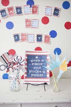 4th of July Printables and Photo Booth Props. So cute!