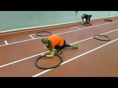Koordinationstraining mit 2 Reifen pro Athlet - YouTube Zumba Kids, Elementary Physical Education, Sport Videos, Football Workouts, Pe Lessons, Relay Races, Karate, Netball, School Sports