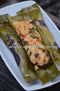 Diah Didi's Kitchen: Pepes Ikan Pindang & Kelapa