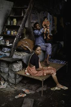 Flesh and Blood, India photo by Steve McCurry We Are The World, People Around The World, Around The Worlds, Steve Mccurry Photos, World Press Photo, India People, Slums, World Cultures, Namaste