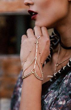 Stylish Jewelry, Cute Jewelry, Bridal Jewelry, Unique Jewelry, Boho Jewelry, Jewelry Art, Body Chain Jewelry, Hand Jewelry, Wooden Jewelry
