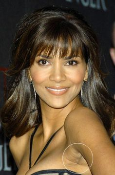 Halle Berry's telltale breast implant scar Plastic Surgery Pictures, Body Plastic Surgery, Bad Plastic Surgeries, Halle Berry, Celebrity Plastic Surgery, Under The Knife, Boobs, Breast, Skin Care