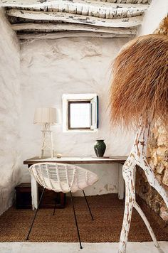 Stylishly designed 400 year old cave-like house in Ibiza Home Office Inspiration, Interior Inspiration, Color Inspiration, Rustic Chic, Rustic Decor, Rustic Elegance, Deco Champetre, Natural Interior, Interior Modern