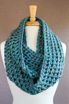 Crochet Infinity Scarf Pattern Today, I want to provide you with a very simple Crochet Infinity Scarf Pattern using the Half Double Crochet (HDC) stitch. Crochet Infinity Scarf Pattern, Crochet Kids Scarf, Crochet Scarves, Crochet For Kids, Crochet Shawl, Crochet Stitches, Crochet Hooks, Free Crochet, Crochet Patterns