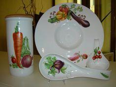 Oggetti dipinti con verdure