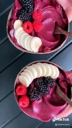 Fun Baking Recipes, Snack Recipes, Dessert Recipes, Cooking Recipes, Fruit Smoothie Recipes, Smoothie Bowl, Starbucks Recipes, Frozen Strawberries, Yummy Food