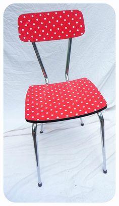 chaise à pois