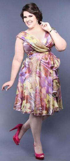 vestido floral plus size senhoras