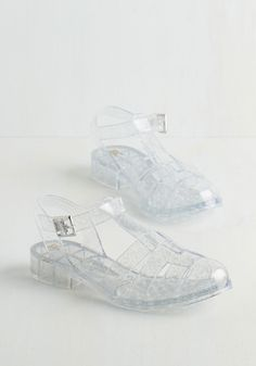 Nineties Night Sandal in Clear. Its Friday night and youre feeling better than alright in these radical, retro jelly sandals by BC Shoes. Jelly Sandals, Strappy Sandals, Shoes Sandals, Jelly Shoes Outfit, Jelly Slides, Estilo Grunge, Cute Summer Outfits, Cute Shoes, Modcloth