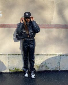 Cute Outfits For School, Dope Outfits, Urban Outfits, Girl Outfits, Pretty Outfits, Black Girl Fashion, Tomboy Fashion, Streetwear Fashion, Casual Winter Outfits