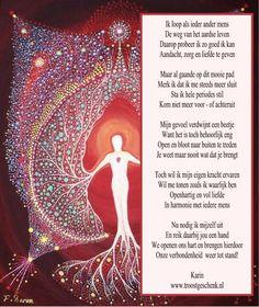 www.troostgeschenk.nl  Het wordt donkerder.. Het licht trekt zich terug. We lijken eenzaam in het duister te gaan. Maar we kunnen ons eigen licht laten schijnen. We kunnen ons verbinden en zo onze weg samen vervolgen. Het is zo heerlijk om te weten, dat je nooit alleen het pad hoeft te bewandelen.