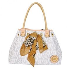 Michael Kors Scarf Jacquard Large Vanilla Shoulder Bags Outlet ce8bba164b25d