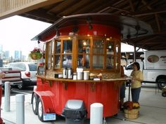 You won't believe until you check this out 👩🔧 Coffee lovers around the world transform truck, pedicab into a unique mobile cafe to serve their neighbourhood. Food Trucks, Vegan Food Truck, Coffee Carts, Coffee Shops, Coffee Lovers, Grind Cafe, Coffee Food Truck, Mobile Food Cart, Mobile Coffee Shop