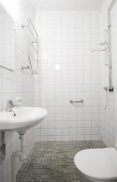 efficient small bathroom designs