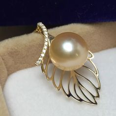 Beautiful hallmarke14ct yellow gold south sea golden pearl pendant by GemladygemeyeDesigns on Etsy