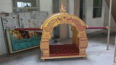 bridal palanquin Garland Wedding, Wedding Decorations, Ganpati Decoration Design, Royal Indian Wedding, Bride Entry, Ganapati Decoration, Antique Chairs, Chinoiserie, Bridal