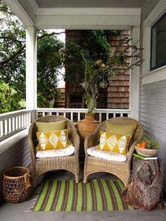Porch, whether it is inside or outside , is a very wonderful place in our home to relax, to calm, to live. Think how pleasant it is that sit in the porch to enjoy the sunshine in the afternoon. More over, although your porch is small, it is the fist sight people come. So it […]