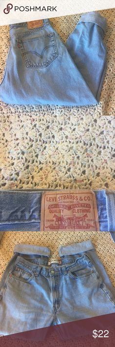 Vintage Levi's Vintage Levi's! Light wash wash denim, no stains or damage. There's no tag but I'm a size 28 and they fit a little loose, would best fit a 29-30, or if you like them baggy these will work. Also a great option to make into shorts. Make an offer! Levi's Jeans