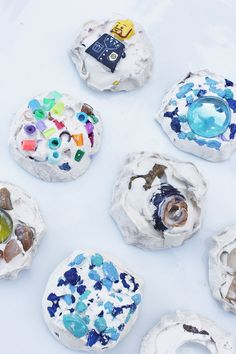Fun art idea utilizing Plaster of Paris: Try making mosaic treasure tiles from colorful found objects. Preschool Arts And Crafts, Creative Activities For Kids, Creative Arts And Crafts, Art Activities, Projects For Kids, Art Projects, Crafts For Kids, Toddler Art, Simple Art