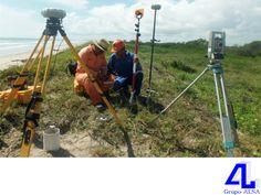 #MaquinariayEquipo Contamos con equipo topográfico satelital. LA MEJOR CONSTRUCTORA DE VERACRUZ. En Grupo ALSA, contamos con modernas herramientas para la recopilación de datos topográficos, tal es el caso del equipo satelital GPS real time. Nuestra gran infraestructura nos permite brindar a nuestros clientes, obras funcionales y de calidad. Le invitamos a visitar nuestro sitio en internet www.grupoalsa.com.mx, para conocer nuestros servicios.