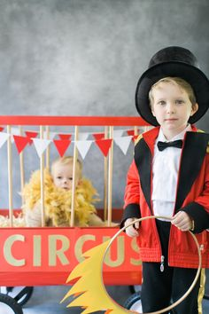 Homemade Halloween costumes can leave such lasting memories! So if you're looking for unique diy childrens halloween costumes ideas then check out these… Halloween Costumes For Brothers, Brother Halloween Costumes, Childrens Halloween Costumes, Hallowen Costume, Halloween Kids, Costume Ideas, Halloween Circus, Circus Family Costume, Circus Costume