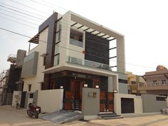 Residence of mr.shyam modern houses by hasta architects modern Duplex House Design, House Front Design, Modern House Plans, Modern Houses, 3d Architecture, Mansions, Interior Design, House Styles, Building