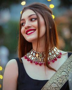 Make Your Look More Charming With These Bridal Hairstyles 2020 . Indian Bridal Fashion, Indian Wedding Outfits, Bridal Outfits, Indian Outfits, Wedding Dresses, Sari Dress, Frock Dress, Stylish Sarees, Stylish Dresses
