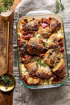 Ham and Cheese Croissant Bake.prep this croissant bake in advance, then bake it off just before you're ready to serve. Perfect for holiday entertaining! Tostadas, Brunch Recipes, Breakfast Recipes, Dinner Recipes, Croissant Breakfast Casserole, Breakfast Strata, Breakfast And Brunch, Breakfast Smoothies, Ham And Cheese Croissant