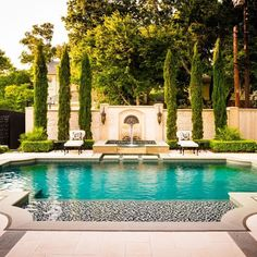 Pool Prep: How to Decorate Your Swimming Pool Patio