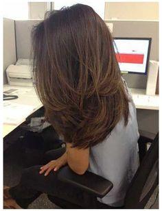 Thin Hair Layers, Medium Length Hair Cuts With Layers, Medium Hair Cuts, Medium Hair Styles, Curly Hair Styles, Short Layers, Medium Cut, Haircuts For Long Hair, Straight Hairstyles