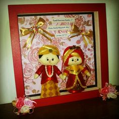 Hi, this cute feltdoll is wearing Java moslem traditional wedding costume, made by Pipi Flanel.. Wanna see our feltdolls collection? Please visit our website at www.pipiflanel.com thank you :)