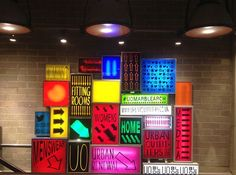 Food Illustration Description urban outfitters light boxes – Read More – Visual Display, Display Design, Booth Design, Store Design, Wayfinding Signage, Signage Design, Graphic Design Agency, Urban Outfitters Store, Art Public