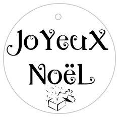 C'est aujourd'hui Noël!! Vous avez fait de jolis paquets ou ptet même fabriqué vos pochettes cadeaux?! C'est un peu la course maintenant, l'euphorie du moment….mais n'avez-vous pas oublié quelque chose? Avez-vous mis de jolies étiquettes sur vos paquets? Oui? Non? En voici quelques-unes, spécialement réalisées pour vous! Il ne vous reste plus qu'à les imprimer, …