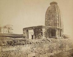 बिहार के औरंगाबाद जिले के देव स्थित ऎतिहासिक त्रेतायुगीन पश्चिमाभिमुख सूर्य मंदिर अपनी विशिष्