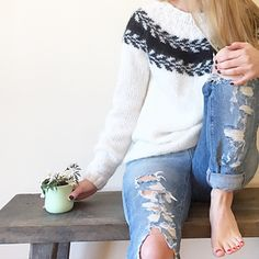 Maryjakka - Marianne J. Bjerkman - Kjøp Maryjakka - Marianne J. Bjerkman til beste priser Knitting Kits, Fair Isle Knitting, Hand Knitting, Sweaters And Jeans, Hand Knitted Sweaters, Cardigans, Knitting Sweaters, Icelandic Sweaters, Knit Crochet