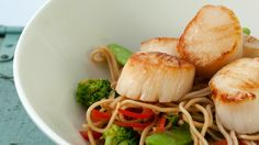 Serves: 4 Ingredients 16 sea scallops (size U10) 3 tbsp (45 ml) canola oil 1 cup (240 ml) of red bell peppers, sliced 1 cup (240 ml) of snap peas, sliced 1 cup (240 ml) of broccoli florets 2 tbsp (30 ml) of ginger, peeled and grated 2 shallots, sliced 3 cloves garlic, chopped ¼ cup …