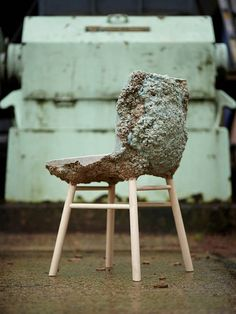 "oliwrr: "" The Well Proven Chair, by James Shaw and Marjan van Aubel The Well Proven Chair is the result of a long period of research into the development of a new material from wood chips. Wooden Furniture, Furniture Design, Wooden Chairs, Chair Design, Trendy Furniture, Recycled Furniture, Wood Waste, Expanding Foam, Do It Yourself Furniture"