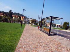 #lagodigarda #Padenghe #porfido #comunedipadenghe #padengheverde #floor #pool #natural #garden #stone #pebbles #flooring #italian #madeinitaly #palosco #bergamo #artigianato #handicraft #porfido