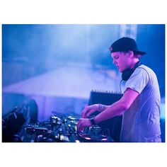 Download avicii taste the feeling 2016 single torrent kickass avicii ccuart Image collections