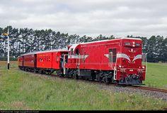 1429 Glenbrook Vintage Railway EMD at Near Waiuku, New Zealand by John Russell Electric Locomotive, General Motors, Illinois, New Zealand, Trains, Building, Vehicles, Diesel, Canada
