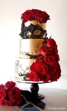 Featured Wedding Cake: Courtesy of The Pastry Studio; Wedding cake idea.