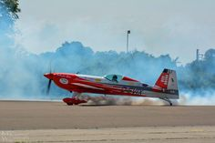 Turbo has broken the world record in flat spinning with his Extra 330 airplane World Records, Spinning, Airplane, Fighter Jets, Aircraft, Flat, Hand Spinning, Plane, Aviation