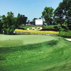 Here is a look at the 18th green at The Kingsmill Championship in Williamsburg, Virginia! We have 7 women playing this weekend, sporting our colors orange, yellow, pink, and white/blue pearl. Check out our expo tent by the entrance for one ball pack giveaways and coupons for discounts on our website! Good luck #teamvolvik #KingsmillChampionship #LPGA