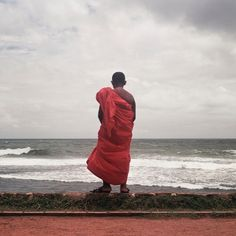 Celebrating #WorldPhotographyDay with Michael Whelan. #srilanka #photography
