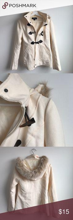 Cream coat Cream heavy coat with light fur hood. Zipper and larger buttons Jackets & Coats Trench Coats