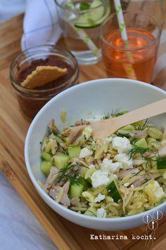 Hilda geht picknicken: Orzo-Salat mit Hühnchen und Avocado-dresing