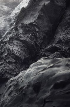 Let's talk about some textures rocks we used everyday!with a unique and marvelous texture with any your design project♥ Magic Places, Bg Design, Black Gold Jewelry, Stone Texture, Motion Design, Textures Patterns, Monochrome, Abstract Art, Black And White